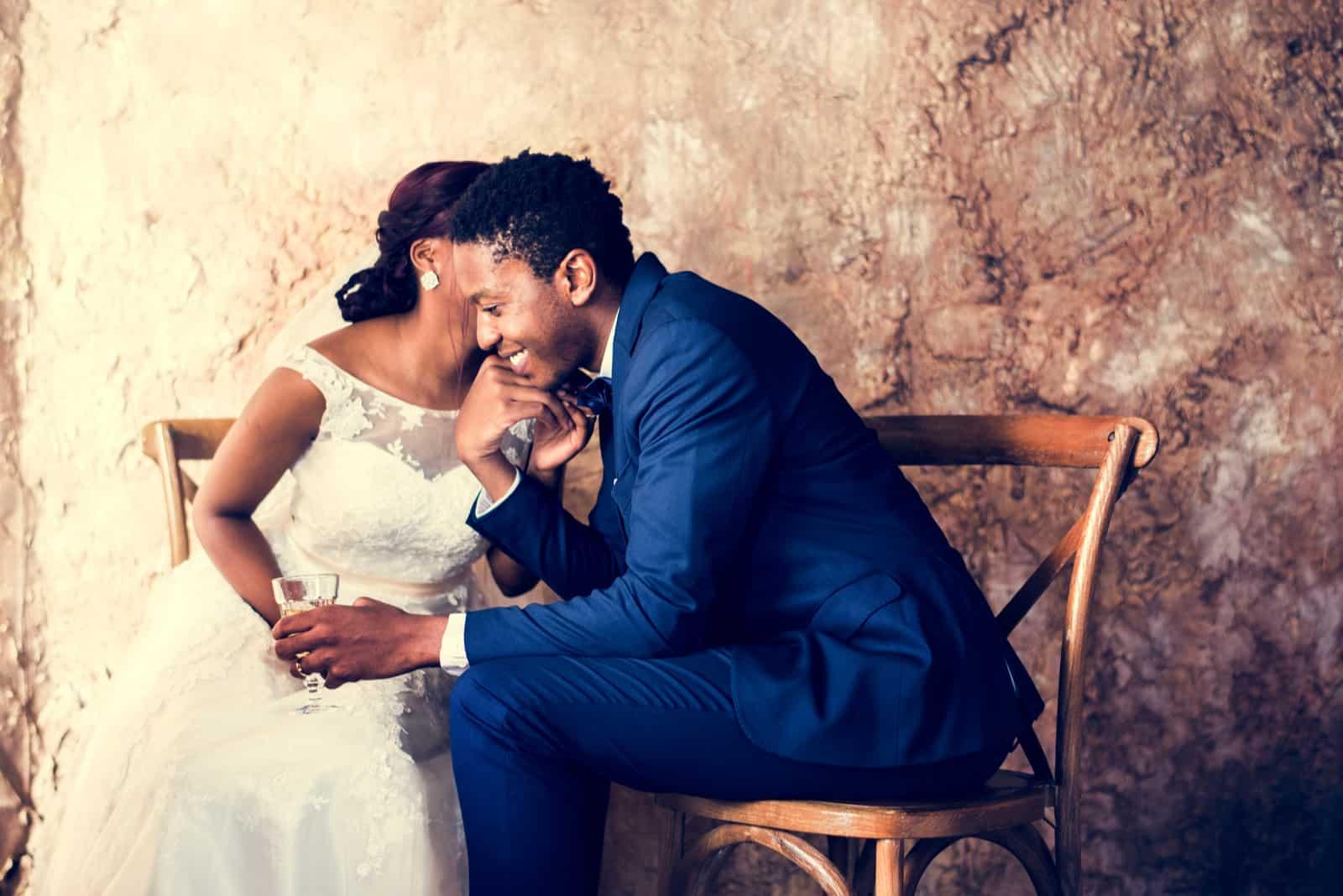 Hochzeitsfeier der frisch verheirateten afrikanischen Abstammung