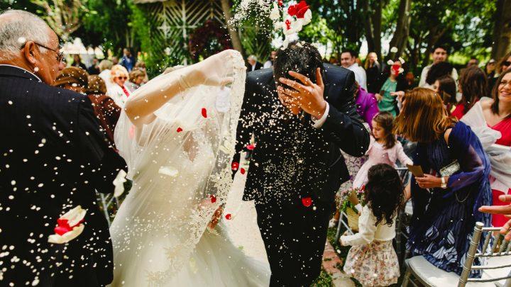 Die 60+ schönsten Hochzeitsbräuche und Traditionen für deine Hochzeitsfeier