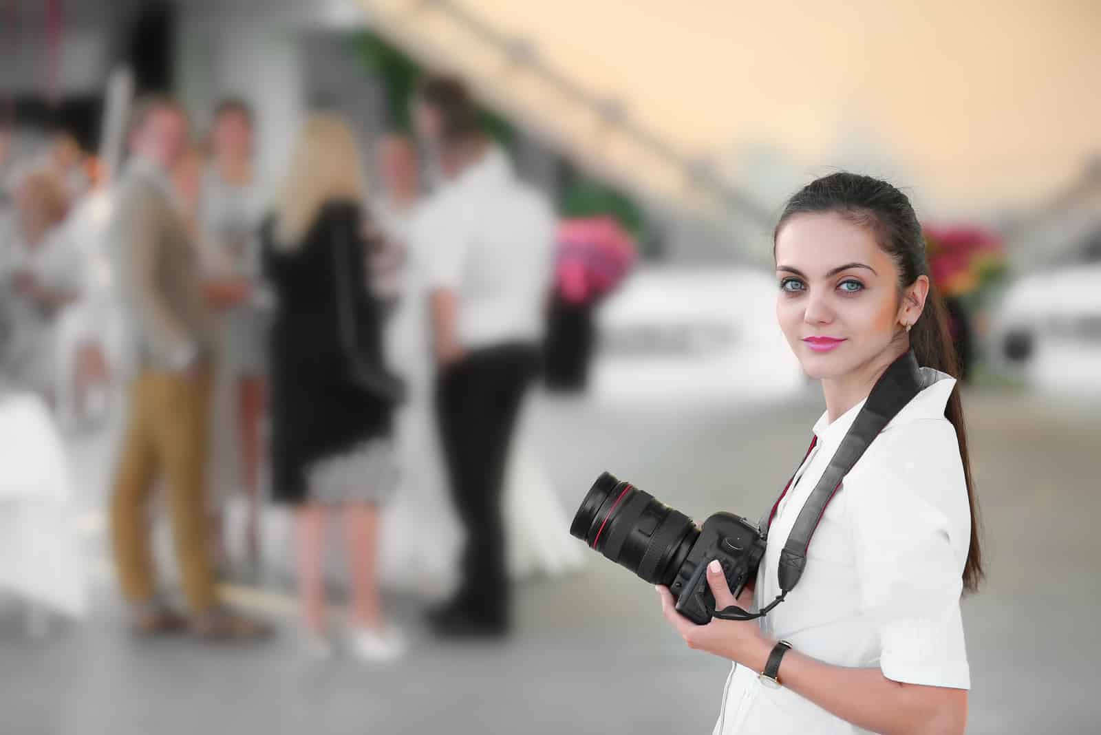 Fotograf fotografiert die Hochzeit