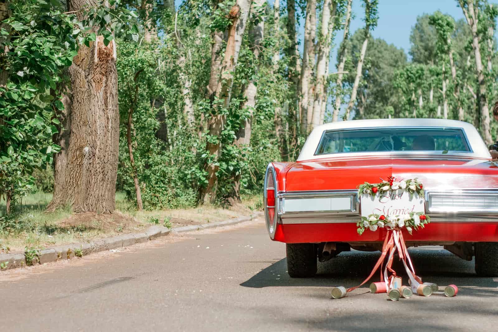 Retro-Auto für die Hochzeit