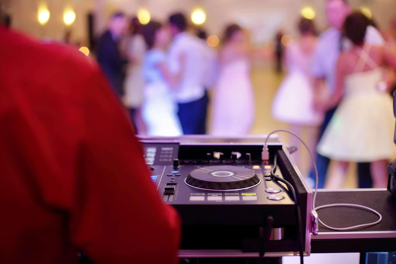 DJ bei der Hochzeit