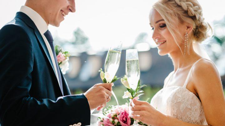 Die besten Ideen und Tipps zum Sektempfang auf Hochzeiten inkl. Checkliste
