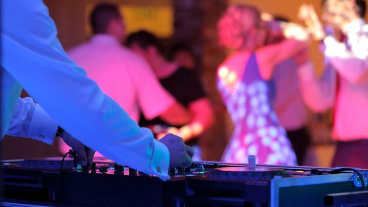Die besten Tipps für die perfekte Hochzeitsparty mit Hochzeits-DJ