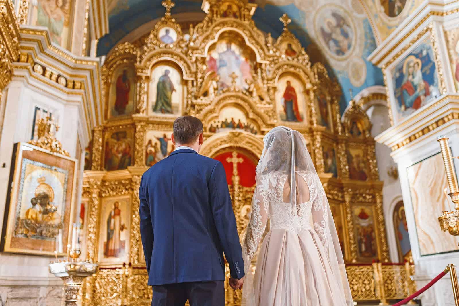 Hochzeitszeremonie in der orthodoxen Kirche