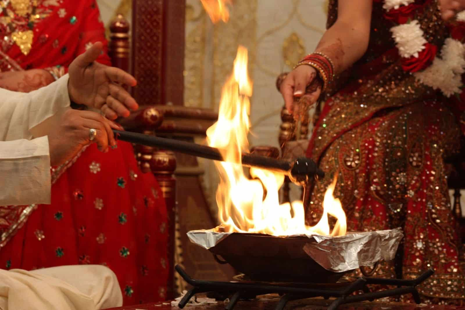 Laja-Homah: Das Hochzeitsfeuer