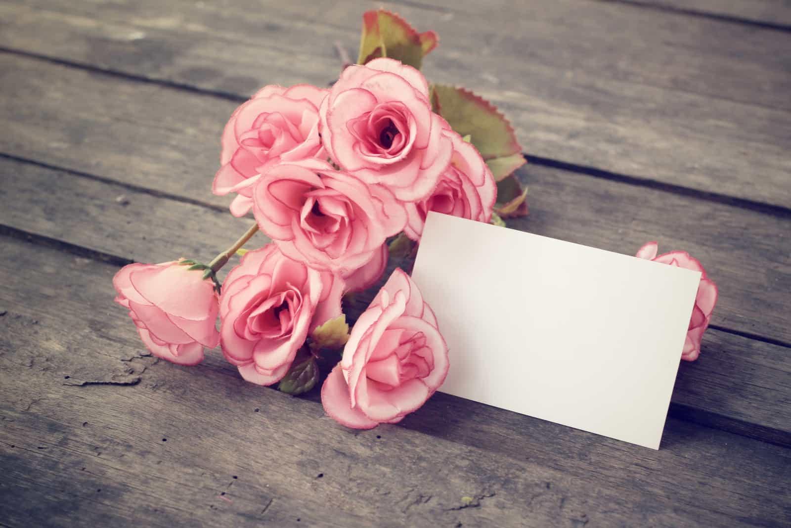 Leere Karte mit Rosen
