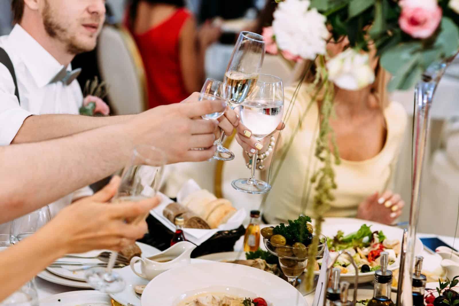 Prost auf die Hochzeitsfeier (1)