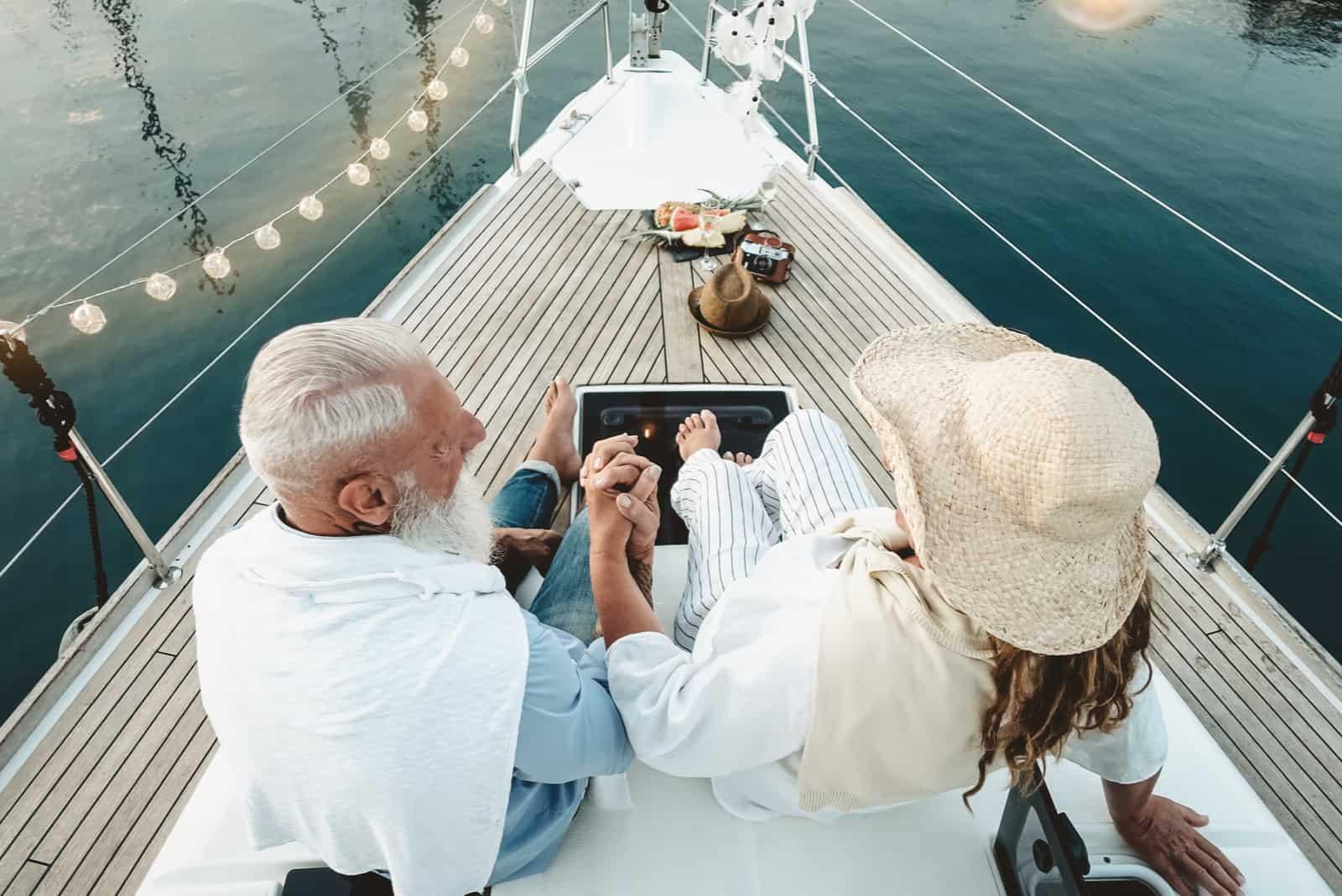 36. Hochzeitstag: Bedeutung, Tipps und Geschenkideen zur