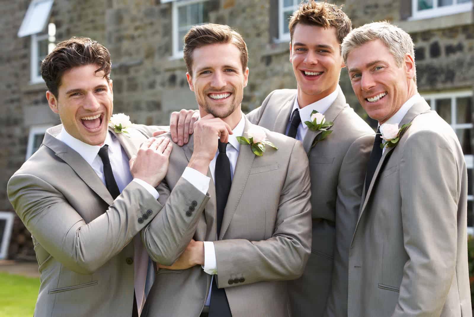 Bräutigam mit besten Männern