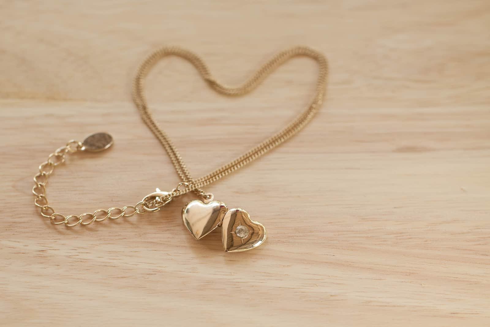 Herzform Gold Halskette