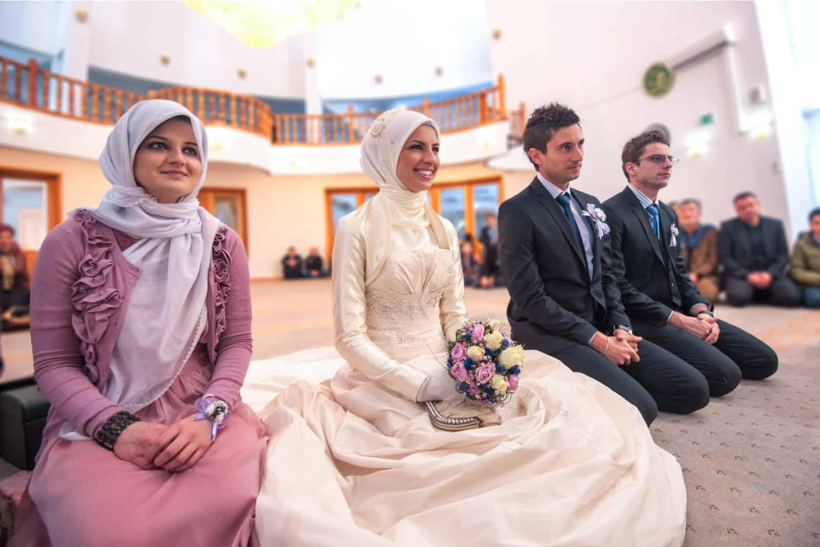 eine religiöse Hochzeit in einer Moschee
