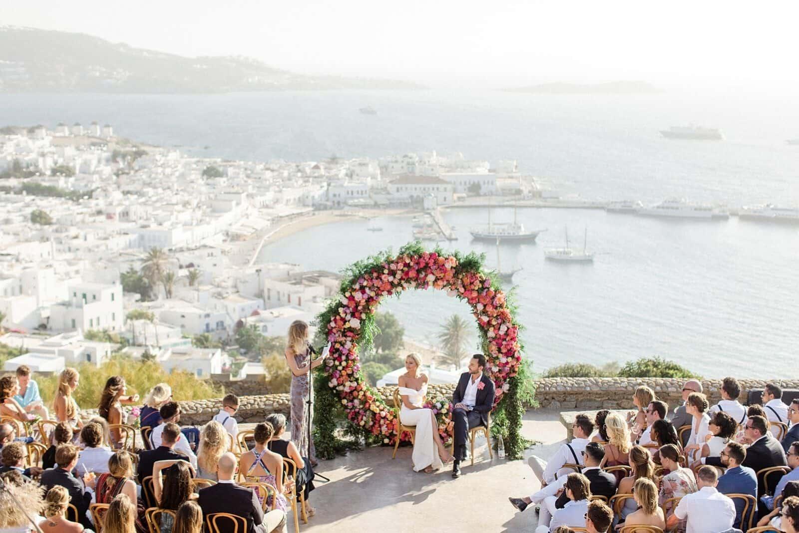 eine schöne griechische Hochzeit auf der Terrasse