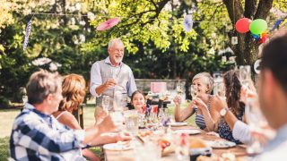 Familienfeier oder Gartenparty