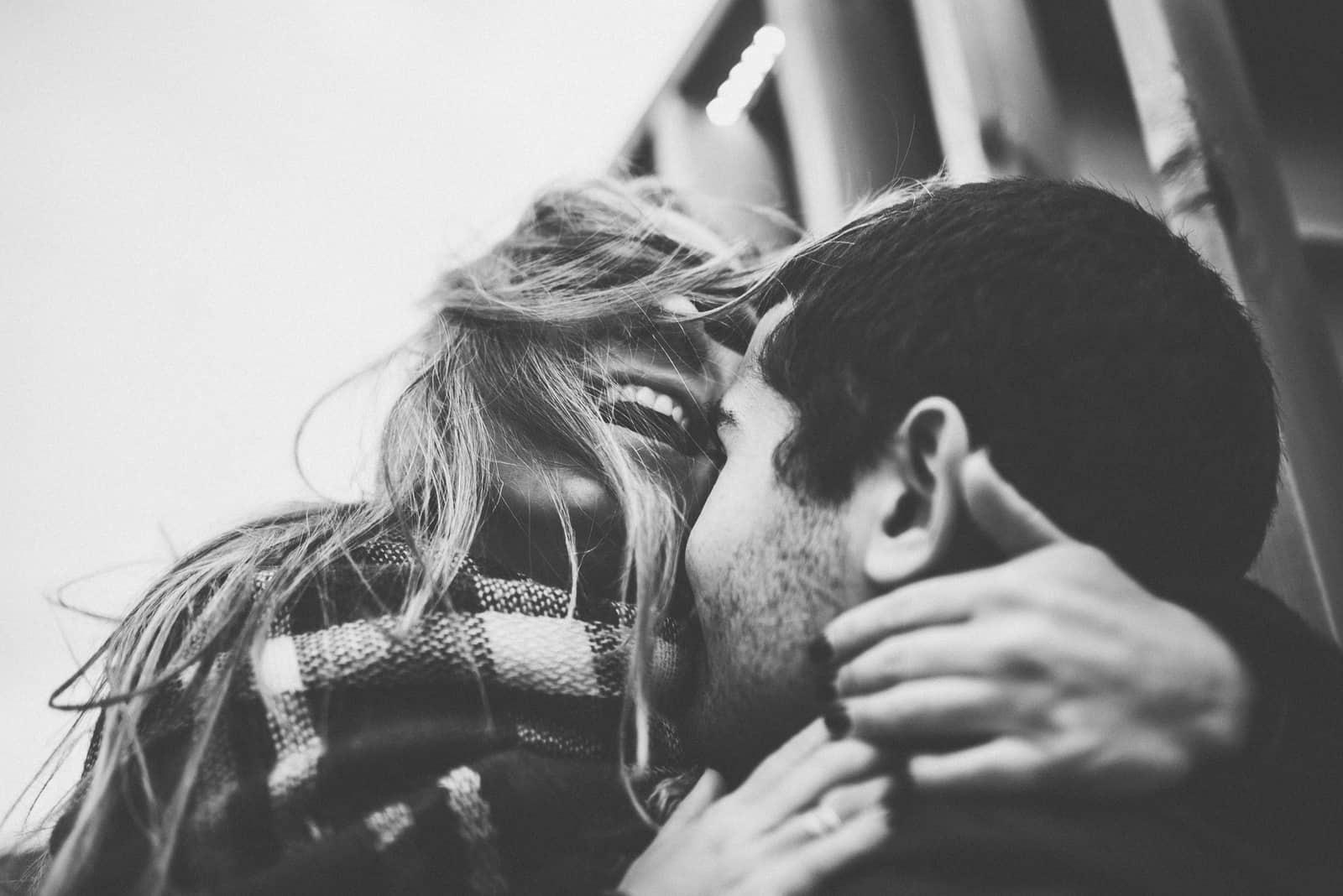 Schönes glückliches Paar romantisch