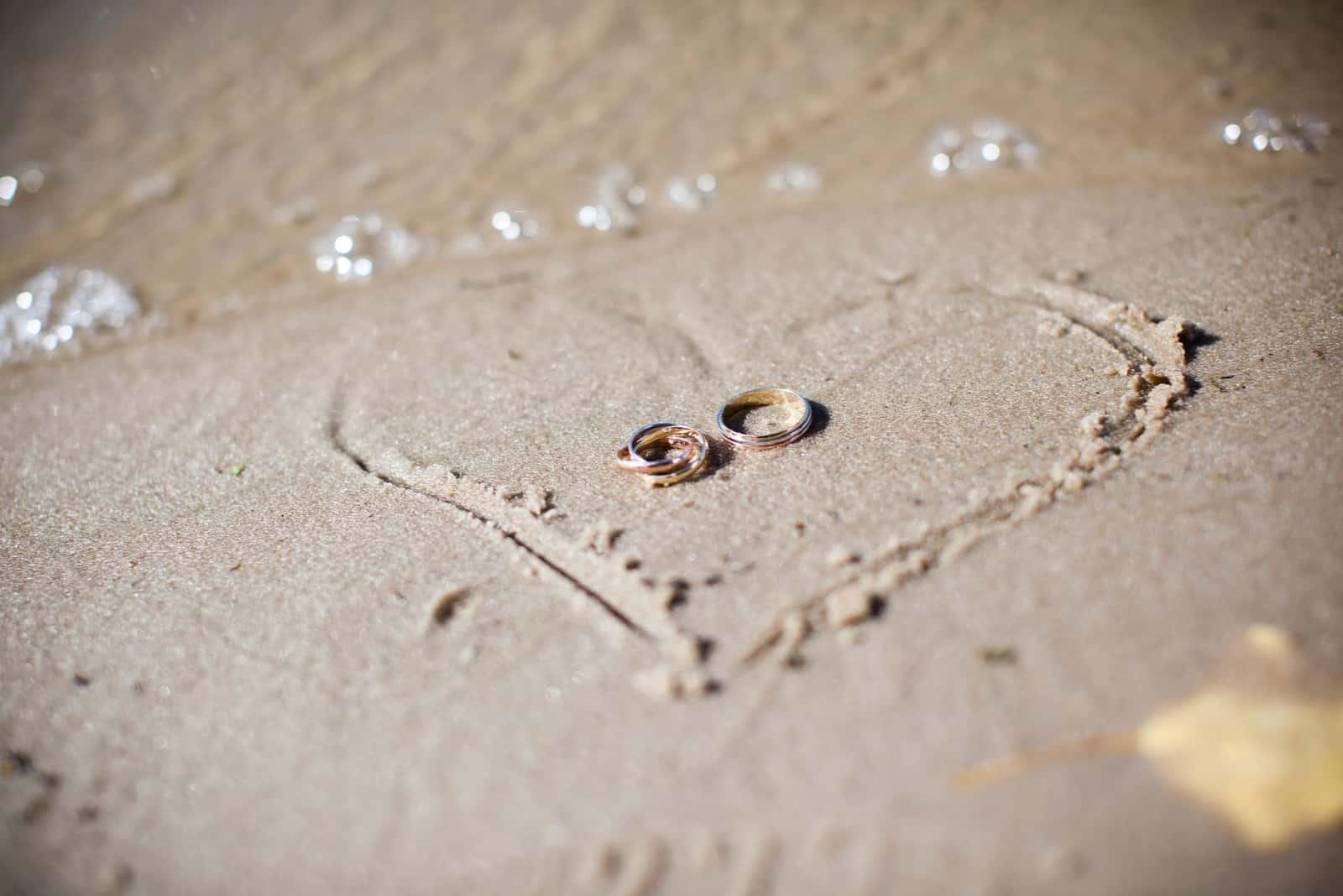 Hochzeit im Sand am Strand