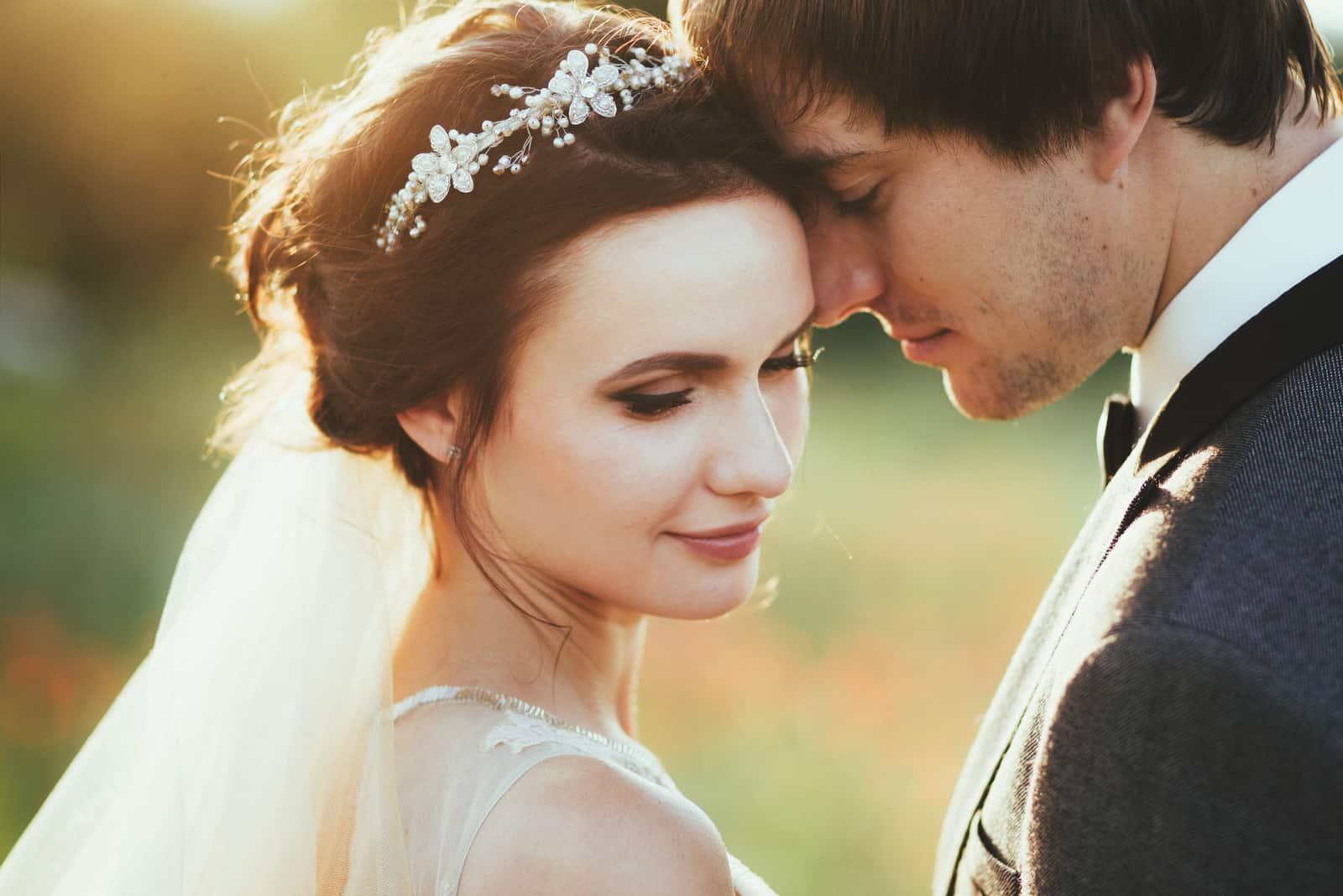 Sinnliches Portrait eines jungen Paares